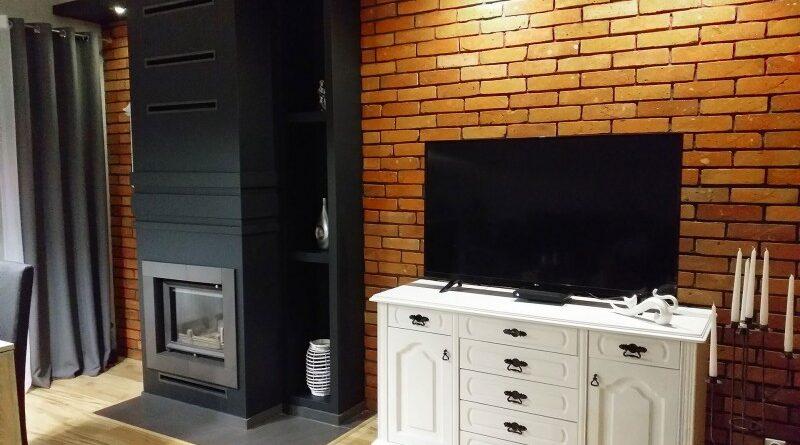 Eine Wohnung im Retro-Stil mit Ziegelfliesen